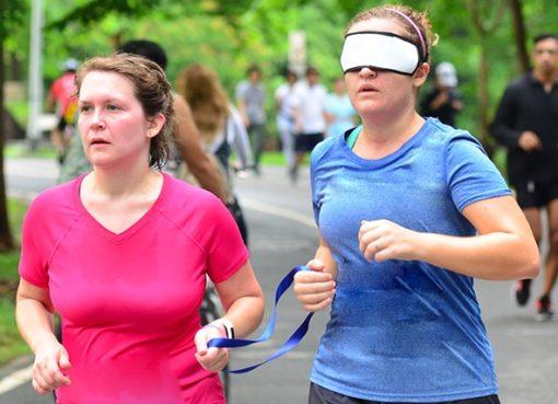 "< img src=""https://www.la-notizia.net/runner-in vista.jpg"" alt=""runner in vista"""