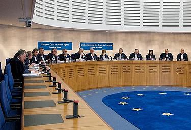 """< img src=""""https://www.la-notizia.net/tribunali.jpg """" alt=""""tribunali"""""""