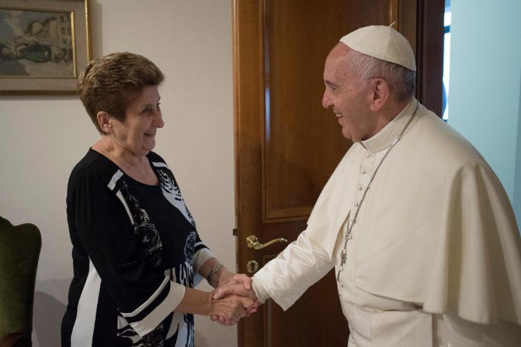 "< img src=""https://www.la-notizia.net/santa.jpg "" alt=""santa"""