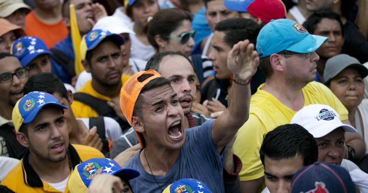 Referendum contro Maduro: 98% venezuelani dice no al piano di riforma