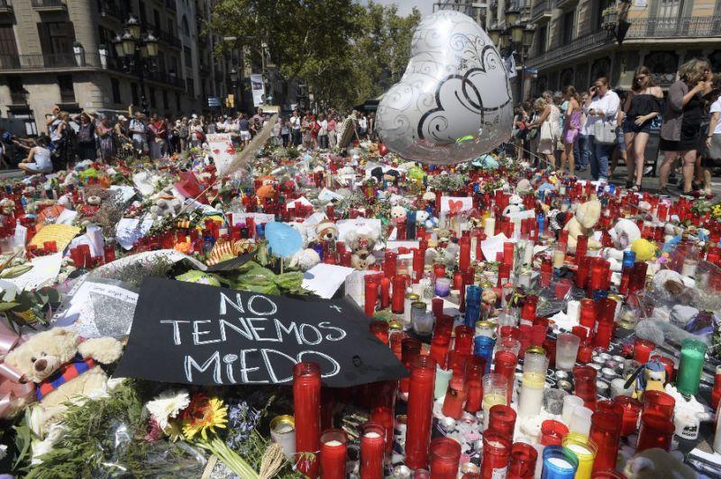 Attentato Spagna, caccia ad autista furgone si estende in tutta Europa
