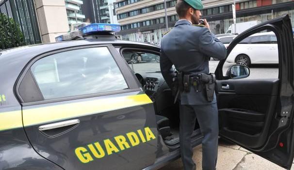 """< img src=""""https://www.la-notizia.net/truffa"""" alt=""""truffa"""""""