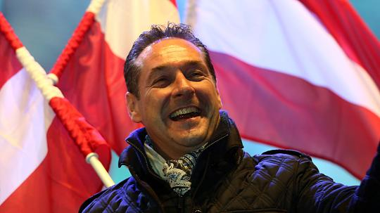 "< img src=""http://www.la-notizia.net/austria.jpg"" alt=""austria"""