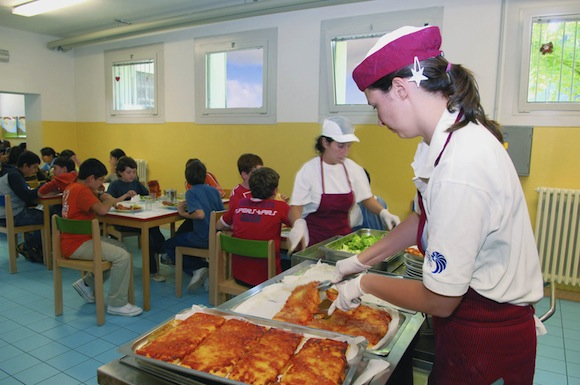 "< img src=""http://www.la-notizia.net/mensa"" alt=""mensa"""
