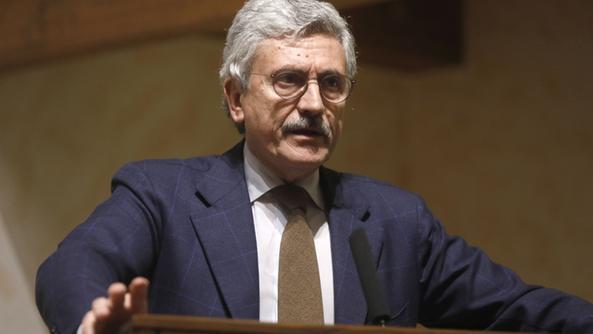 "< img src=""https://www.la-notizia.net/legge"" alt=""legge"""