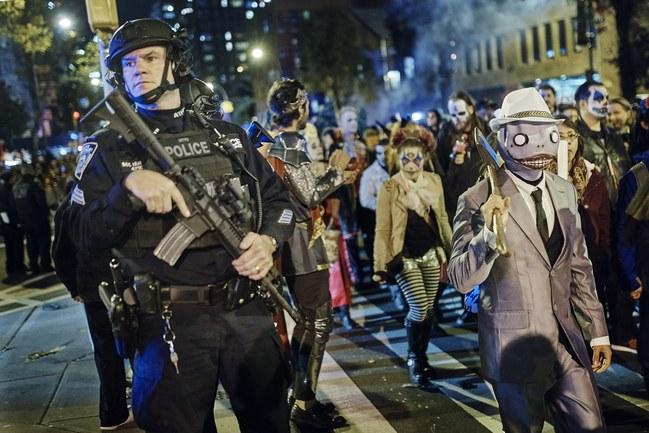 """< img src=""""https://www.la-notizia.net/halloween"""" alt=""""halloween"""""""