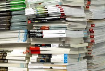 "< img src=""https://www.la-notizia.net/libri"" alt=""libri"""