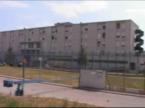 """< img src=""""https://www.la-notizia.net/leoni.carcere"""" alt=""""carcere"""""""