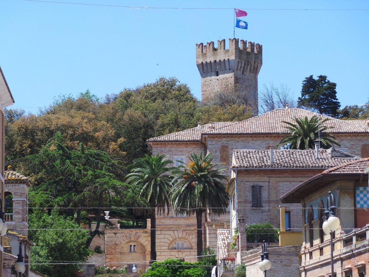 Porto san giorgio festa per i 100 anni di maria rosa vecchiola la - Aran cucine porto san giorgio ...