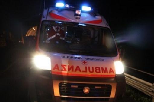 """< img src=""""https://www.la-notizia.net/sangue"""" alt=""""sangue"""""""