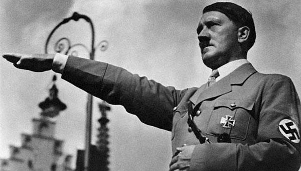 """< img src=""""https://www.la-notizia.net/hitler"""" alt=""""hitler"""""""