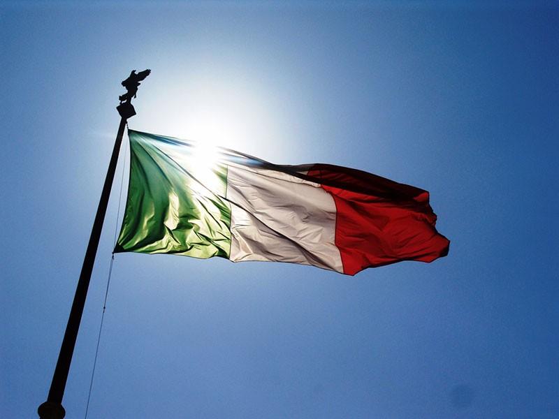 """< img src=""""https://www.la-notizia.net/festa-della"""" alt=""""festa della"""""""