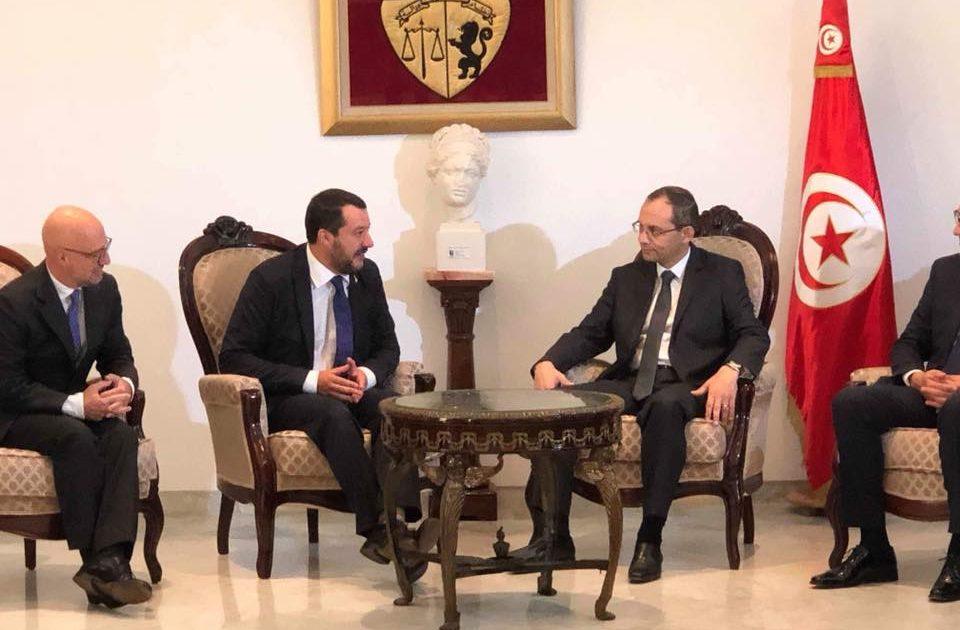 "< img src=""https://www.la-notizia.net/tunisi"" alt=""tunisi"""