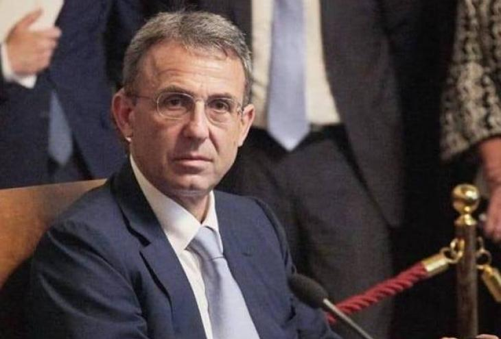 """< img src=""""https://www.la-notizia.net/costa"""" alt=""""costa"""""""