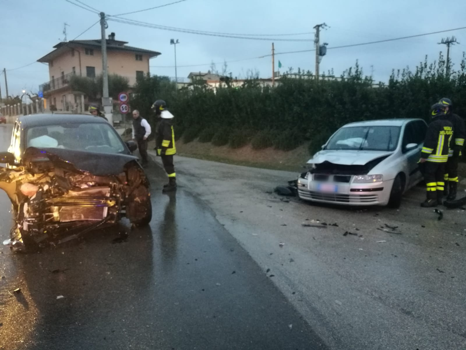 "< img src=""https://www.la-notizia.net/civitella-del"" alt=""civitella del"""
