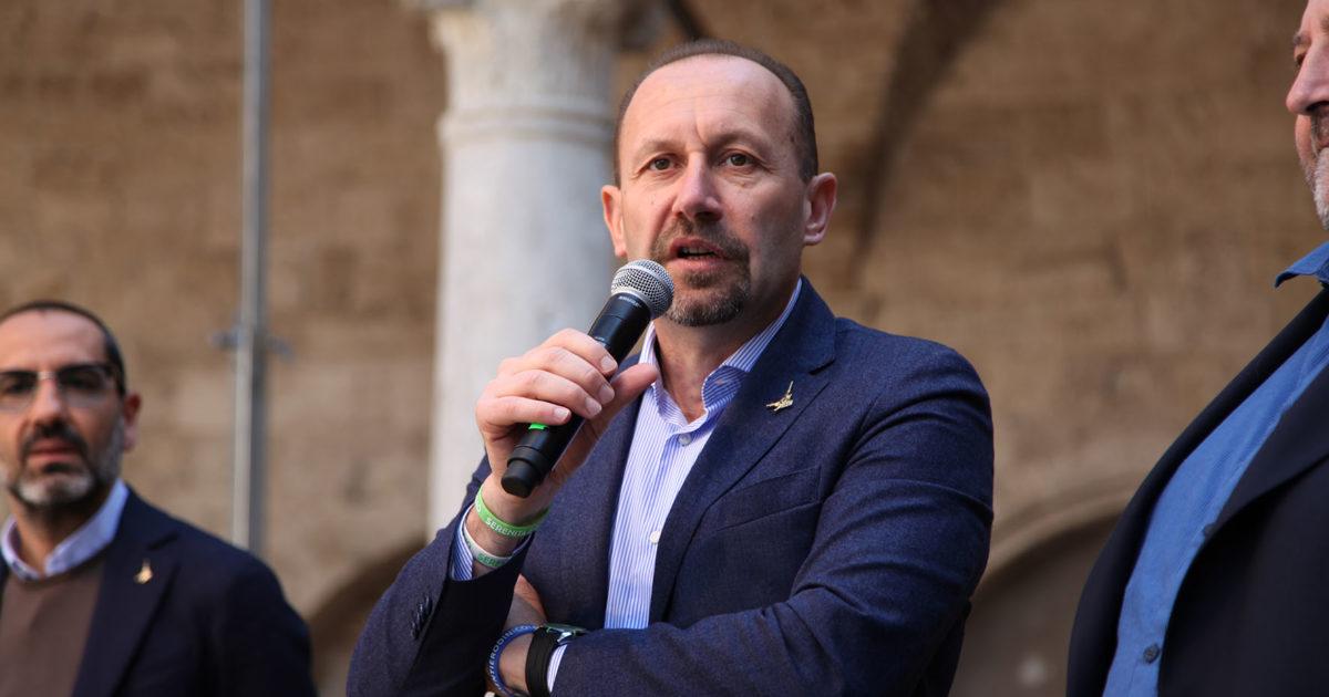 "< img src=""https://www.la-notizia.net/arrigoni"" alt=""arrigoni"""