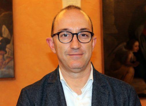 "< img src=""https://www.la-notizia.net/fontana"" alt=""fontana"""