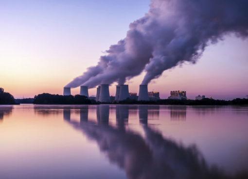 "< img src=""https://www.la-notizia.net/emissioni"" alt=""emissioni"""