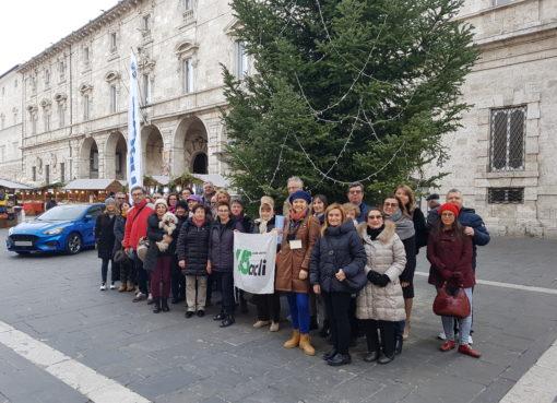 """< img src=""""https://www.la-notizia.net/natalizi"""" alt=""""natalizi"""""""