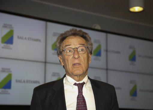 """< img src=""""https://www.la-notizia.net/rifiuti"""" alt=""""rifiuti"""""""
