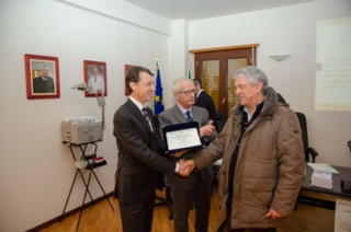 "< img src=""https://www.la-notizia.net/olivieri"" alt=""olivieri"""