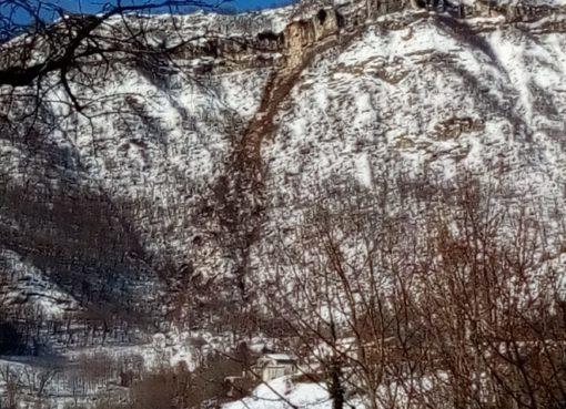 "< img src=""https://www.la-notizia.net/valle-castellana"" alt=""valle castellana"""