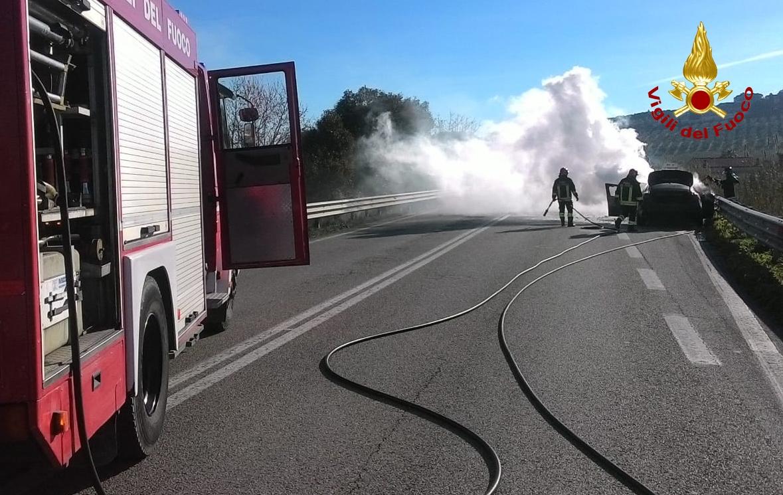 "< img src=""https://www.la-notizia.net/vano-motore"" alt=""vano motore"""