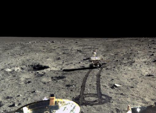 """< img src=""""https://www.la-notizia.net/luna"""" alt=""""luna"""""""