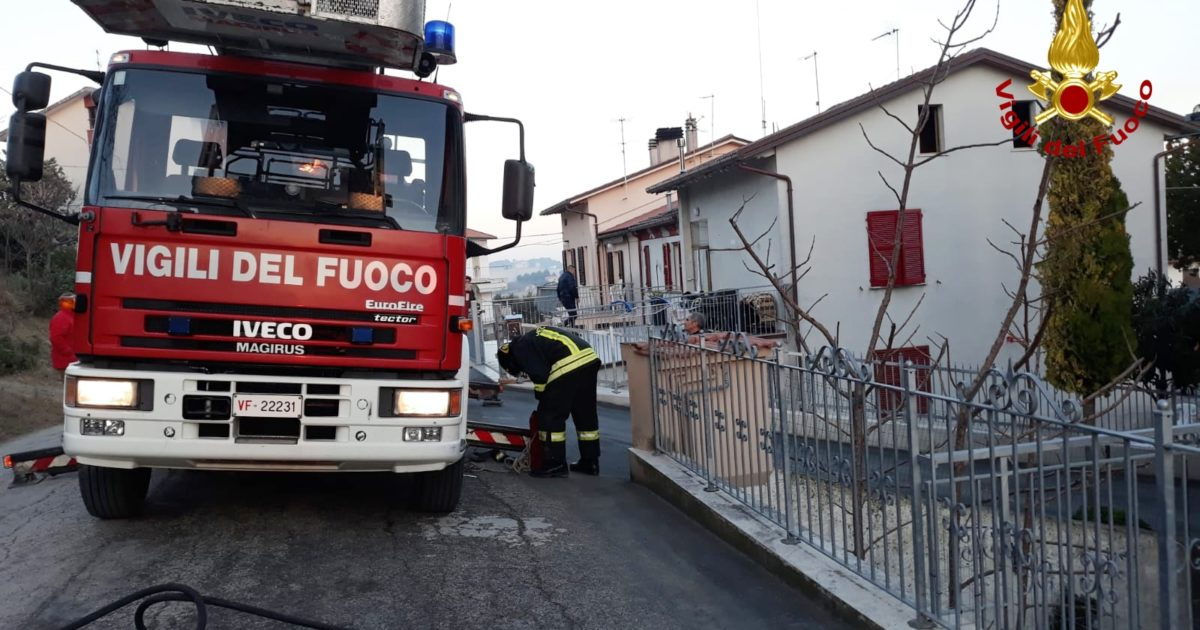 """< img src=""""http://www.la-notizia.net/filottrano"""" alt=""""filottrano"""""""
