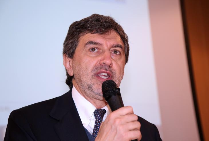 """< img src=""""https://www.la-notizia.net/rettore"""" alt=""""rettore"""""""