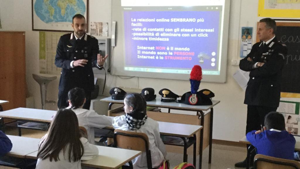 """< img src=""""https://www.la-notizia.net/appignano"""" alt=""""appignano"""""""