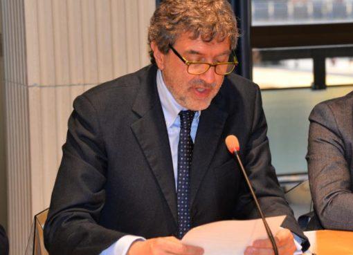 """< img src=""""https://www.la-notizia.net/deleghe"""" alt=""""deleghe"""""""