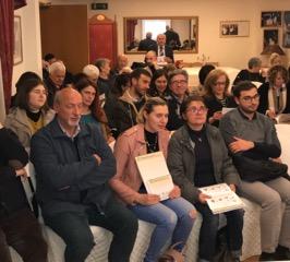 "< img src=""https://www.la-notizia.net/farmacisti"" alt=""farmacisti"""