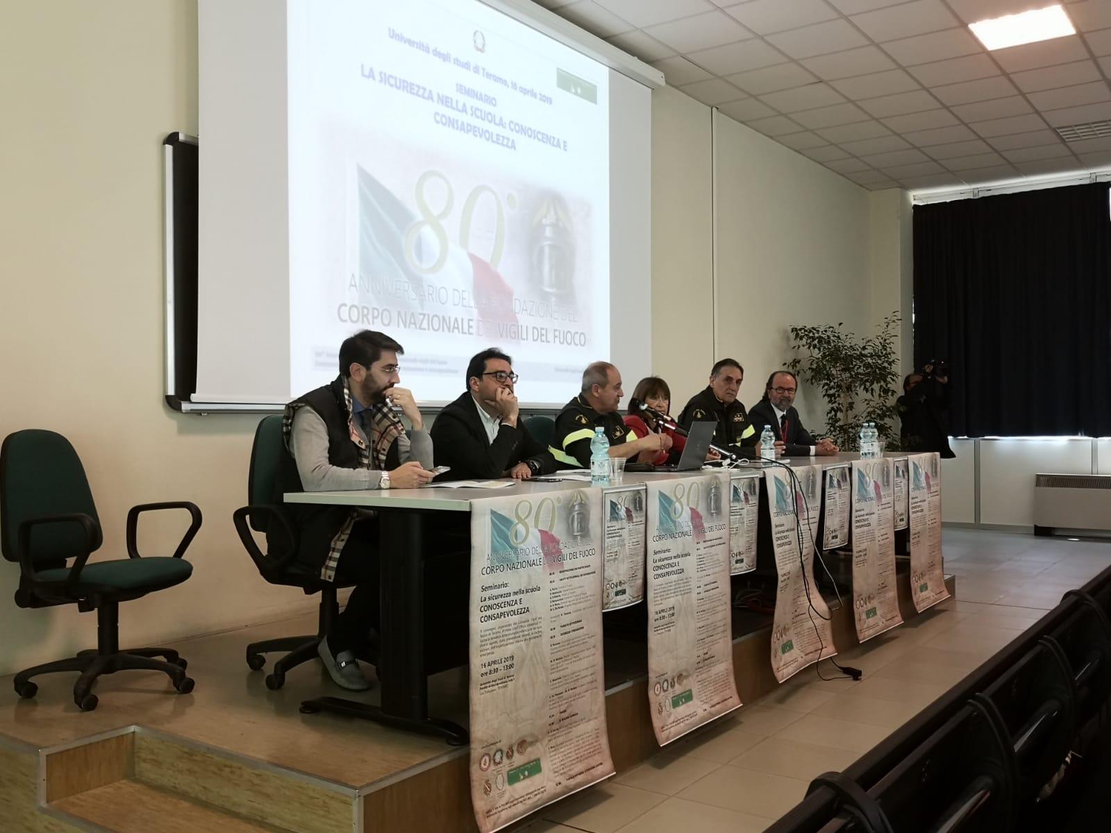 """< img src=""""https://www.la-notizia.net/seminario"""" alt=""""seminario"""""""