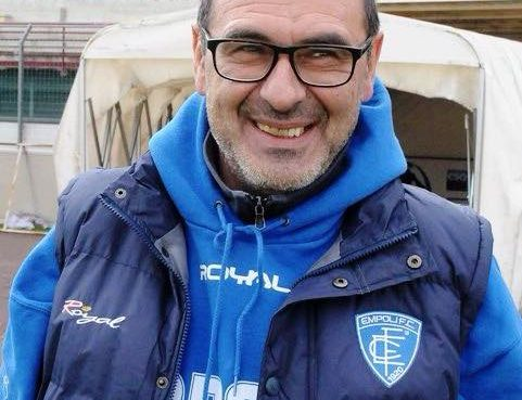"""< img src=""""https://www.la-notizia.net/sarri"""" alt=""""sarri"""""""