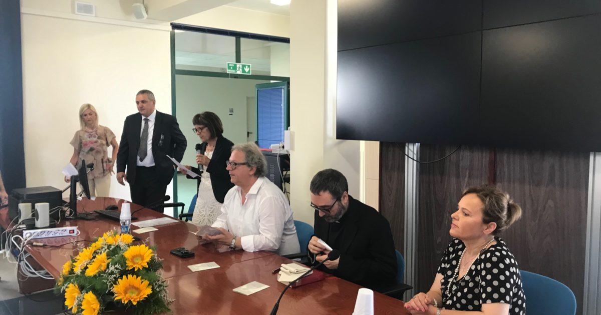 "< img src=""https://www.la-notizia.net/cerulli"" alt=""cerulli"""