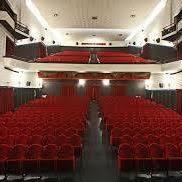 "< img src=""https://www.la-notizia.net/teatro comunale"" alt=""teatro comunale"""