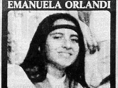 "< img src=""https://www.la-notizia.net/emanuela"" alt=""emanuela"""