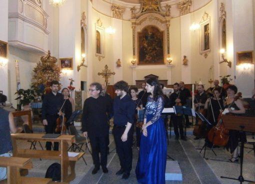 """< img src=""""https://www.la-notizia.net/i-sinfonici"""" alt=""""i sinfonici"""""""