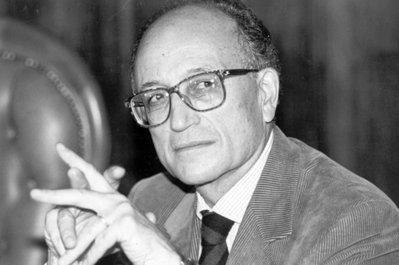 """< img src=""""https://www.la-notizia.net/francesco-saverio-borrelli"""" alt=""""francesco saverio borrelli"""""""