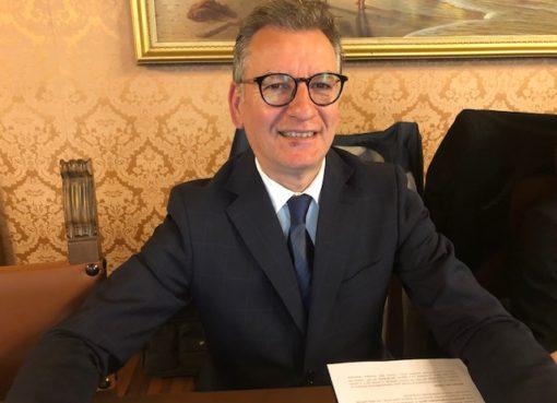"< img src=""https://www.la-notizia.net/teramo"" alt=""teramo"""