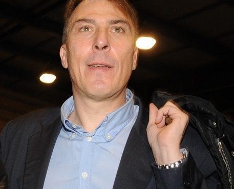 """< img src=""""https://www.la-notizia.net/stefano"""" alt=""""stefano"""""""