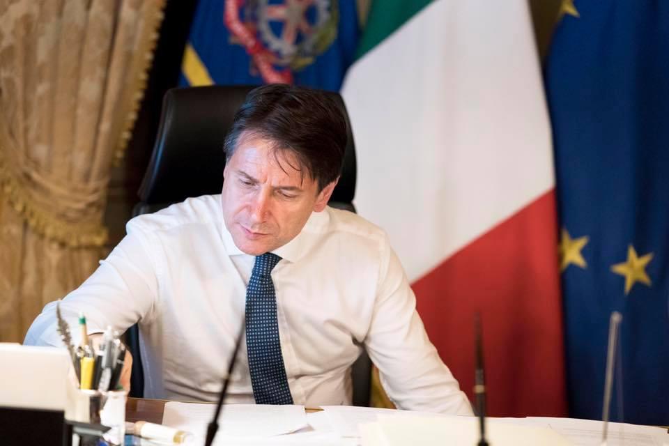"""< img src=""""https://www.la-notizia.net/open-arms"""" alt=""""open arms"""""""