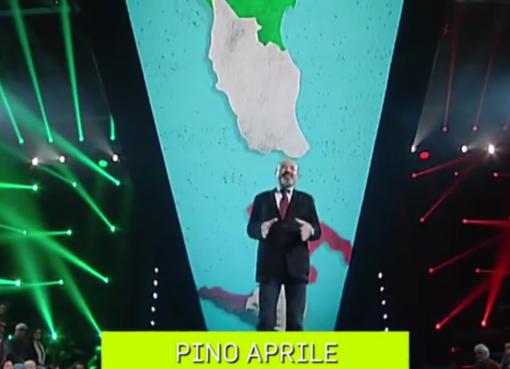 "< img src=""https://www.la-notizia.net/sudisti"" alt=""sudisti"""