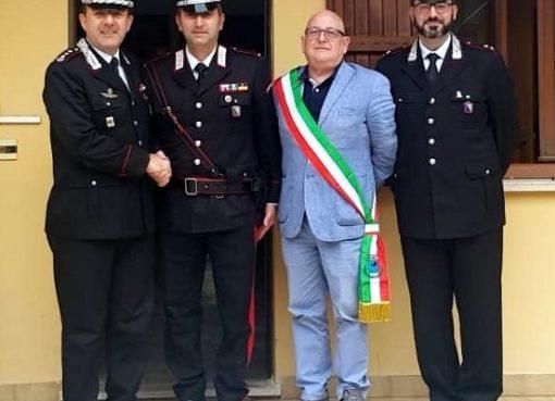 "< img src=""https://www.la-notizia.net/montegallo"" alt=""montegallo"""