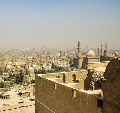 "< img src=""https://www.la-notizia.net/cairo"" alt=""cairo"""