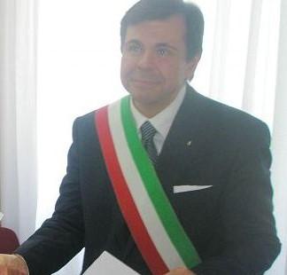 """< img src=""""https://www.la-notizia.net/aniene"""" alt=""""aniene"""""""