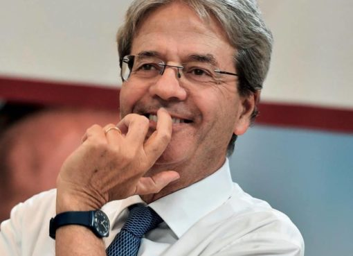 "< img src=""https://www.la-notizia.net/gentiloni"" alt=""gentiloni"""