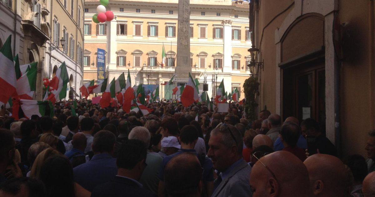 """< img src=""""https://www.la-notizia.net/piazza-montecitorio"""" alt=""""piazza montecitorio"""""""