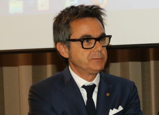 "< img src=""https://www.la-notizia.net/confindustria"" alt=""confindustria"""